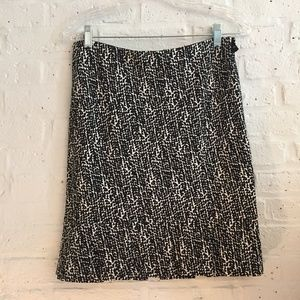 Ann Taylor black & white skirt with pleated hem